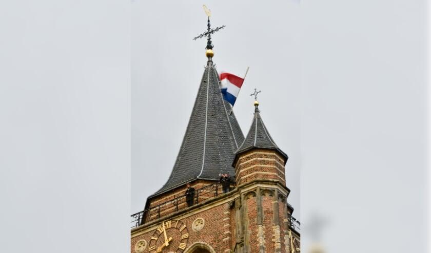 4-5 Indrukwekkend herdenken vanaf de Gorcumse toren - DeStadGorinchem.nl