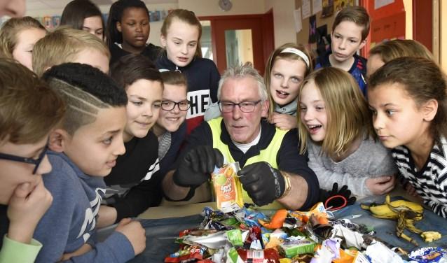 Leerlingen van de Prinses Beatrixschool in Bodegraven doen dit jaar mee aan project afvalvrije school van Cyclus. (foto: Rianne den Balvert)