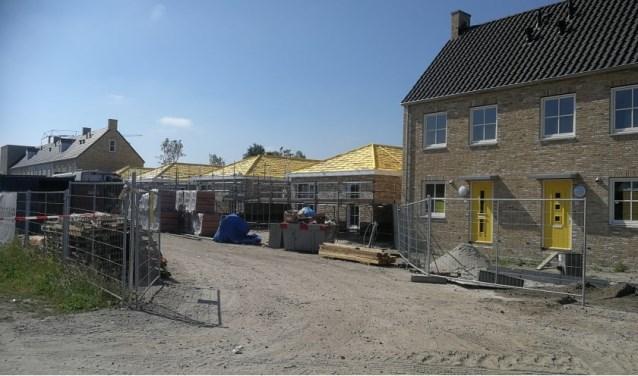 Aan de Dreef, paralel aan de Pater Jornaweg, zijn ook enkele woonwagenwoningen gebouwd. (foto:archieffoto  HvH)