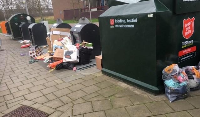 Vuil op straat ergert veel mensen, ook inwoners in Waddinxveen.