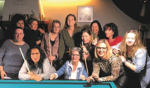 De deelnemers aan het dameskampioenschap.