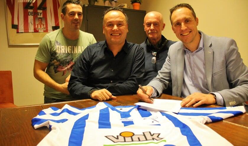 Bauke Vink, Glenn Telusa, secretaris Cor de Rek en voorzitter Louis van Loon. (foto en tekst: Erik van Leeuwen)