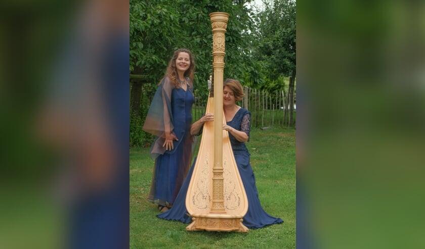 Natalie Merfort (links) en Reinilde Zevenbergen treden samen op in de Kruiskerk. (foto: pr)