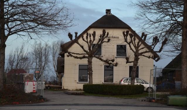 Van de Willemshoeve uit 1842 worden twee woningen gemaakt. (tekst en foto's: Nicole Lamers)