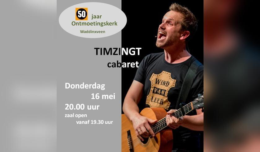 Tim zingt ter ere van het 50-jarig bestaan van de Ontmoetingskerk. (foto: pr)