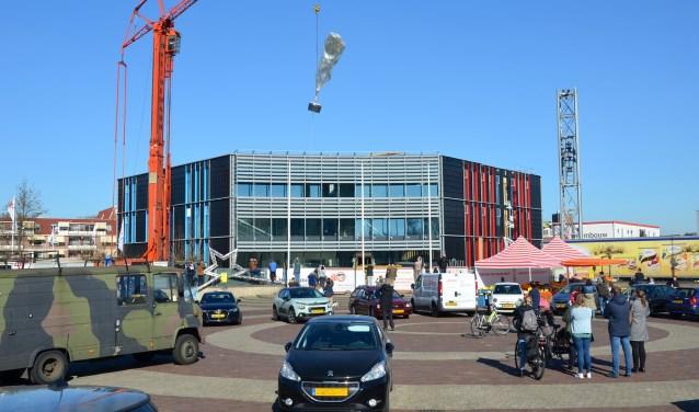 In het nieuwe gemeentehuis van Zuidplas gaat de ambtelijke organisatie vanaf 3 juni aan de slag. (foto: Judith Rikken, tekst Noelia Romero Cabrera)