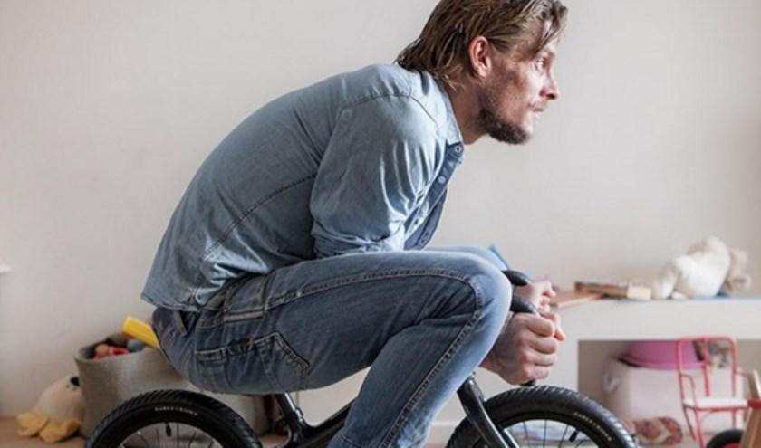 Thijs Zonneveld is onder andere bekend als vaste tafelheer bij het tv-programma De Avondetappe.