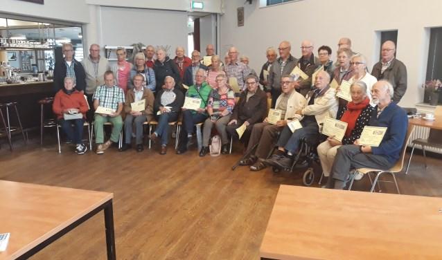 De groep deelnemers met certificaat.  | Fotonummer: a87f37