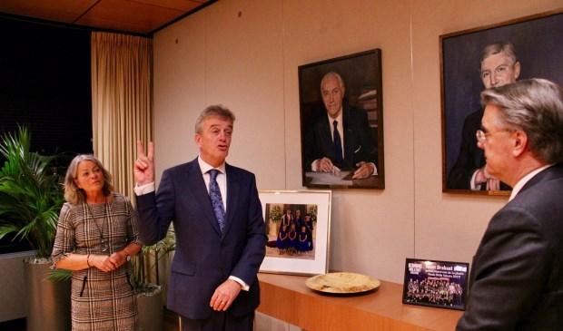 Fons Naterop (l.) legt zijn eed af tegenover Commissaris van de Koning Wim van de Donk. Foto: Provincie Noord-Brabant © MooiBoxtel