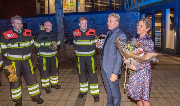 Burgemeester Mark Buijs nam dinsdagavond afscheid van Boxtel. Natuurlijk zwaaide ook het brandweerkorps, dat afgelopen weekend nog volop in touw was, hem uit.  | Fotonummer: c26c81
