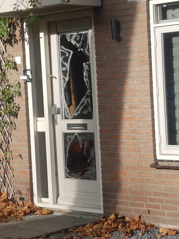 Een arrestatieteam van de politie drong vrijdagavond de woning van de 52-jarige man binnen.  | Fotonummer: 1032bd