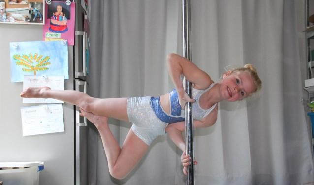 Julia traint niet alleen intensief bij Body & Mind in Best, ook thuis oefent zij veel. (Foto: Noortje Koppens-van Meurs)   | Fotonummer: a54dc6