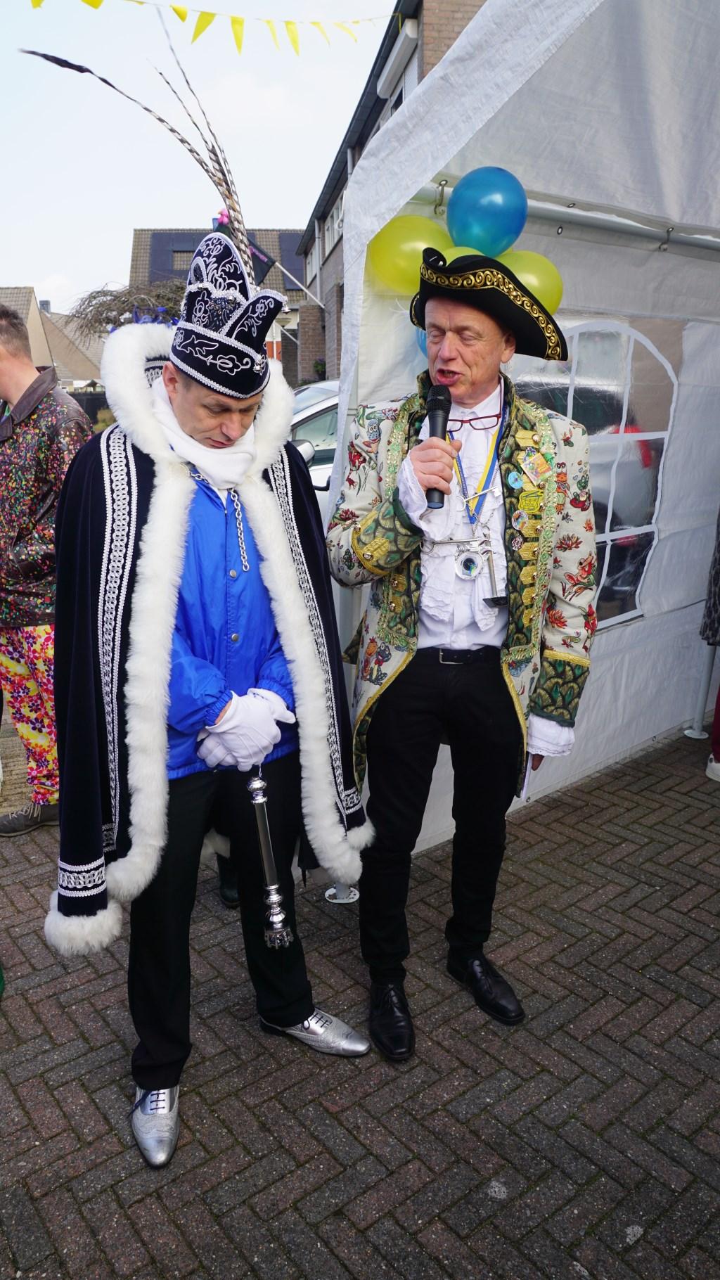 Hoogheden op bezoek bij Jeugdprins Giel Den Urste  Foto: E.D. Evenementenbegeleiding / Prikbord Esch © MooiBoxtel
