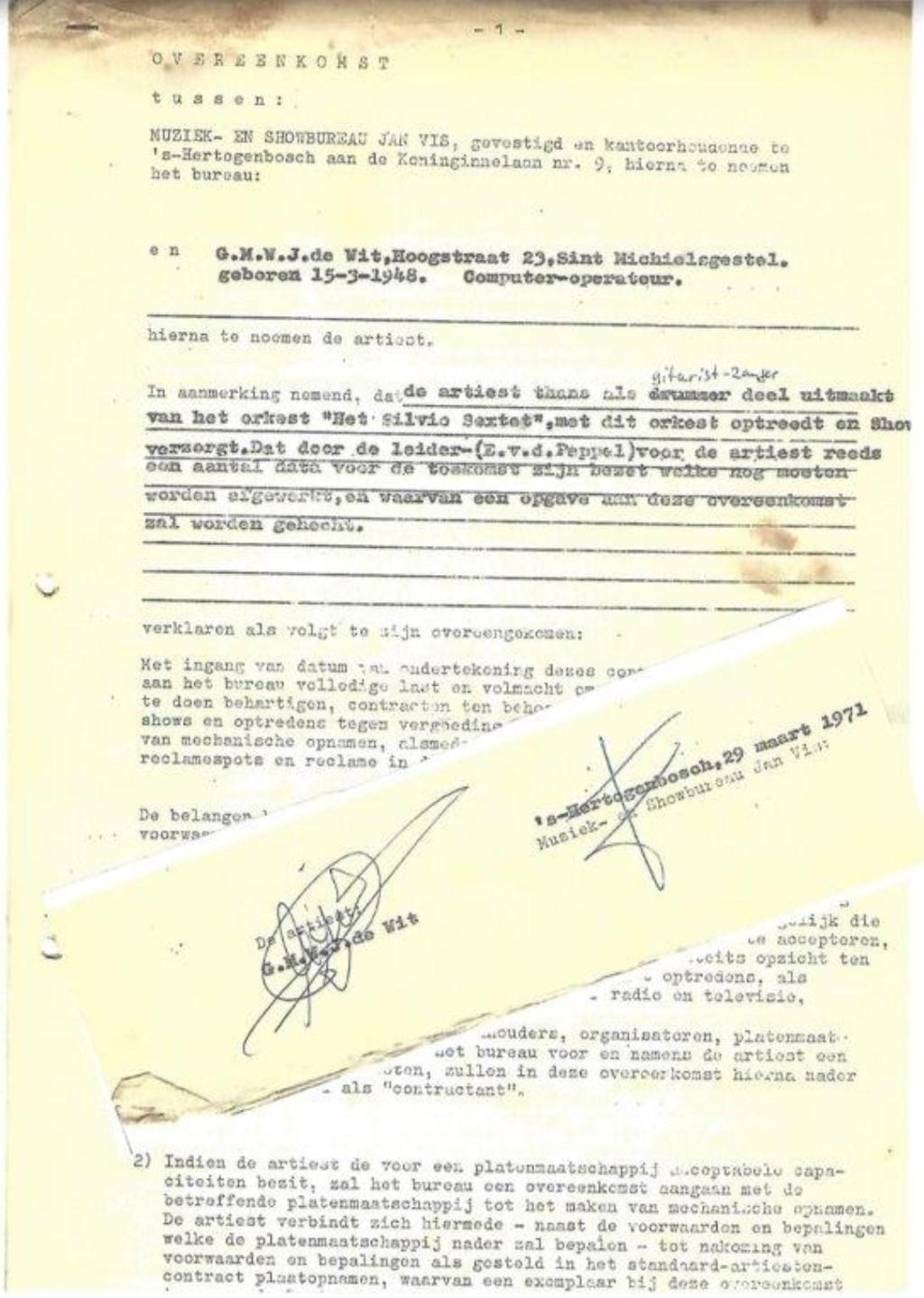 Het contract met Jan Vis Foto: Rini de Wit © MooiGestel