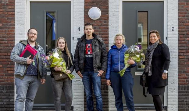 De eerste bewoners van de nieuwe energievriendelijke woningen aan de Hendrika van Haeftenstraat kregen woensdag de sleutel.   | Fotonummer: 23bb24