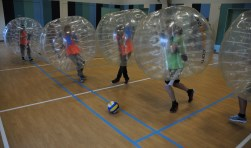 Bubbelvoetbal in Sassegrave.
