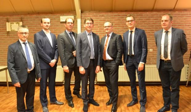 De eerste zeven kandidaten van de SGP voor de gemeenteraadsverkiezingen in 2018 na goedkeuring door de leden in de Hoeksteen te Scherpenisse, v.l.n.r. Henk Geluk, nieuweling Kees Knulst, lijsttrekker Peter Hoek, fractievoorzitter Peter Kraamer, Cees Verloop, Arjen Quist en Aad Prins.