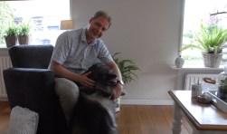 Bakker zei vroeger altijd dat hij geen hond zou nemen. Zijn hond heet ook Kees.