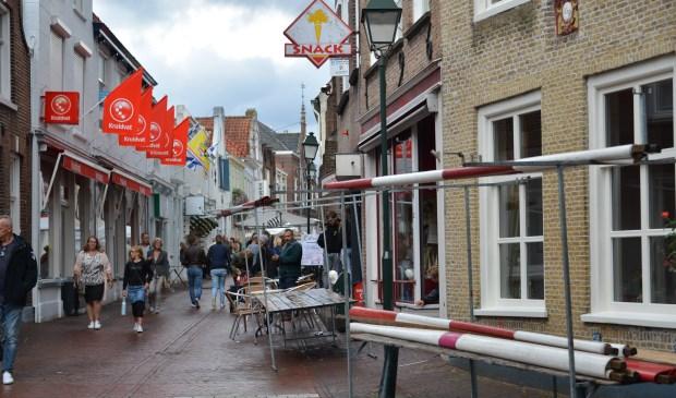 De Kerkstraat in Tholen wordt stiller als Kruidvat er verdwijnt.