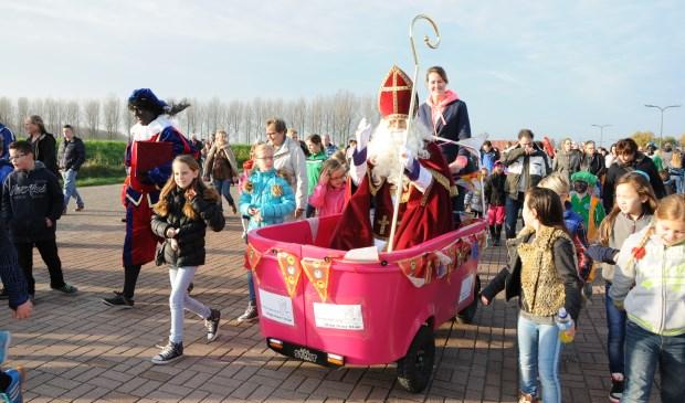 De Stint van Stap voor Stap vervoerde in 2014 Sinterklaas bij de intocht in Sint-Annaland.