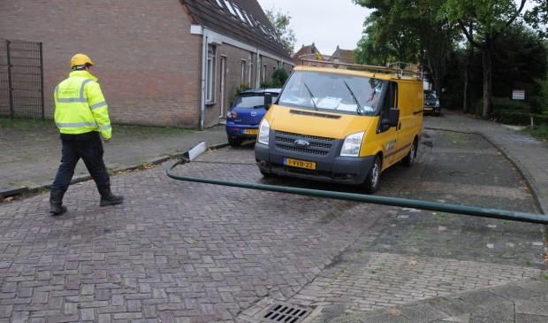 Een lantaarnpaal in de Hoenderweg in Sint-Annaland viel vorig jaar om na een aanrijding.