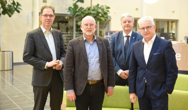 Peter Hoek, Jan Harmsen, informateur Kees Bierens en Frank Hommel.