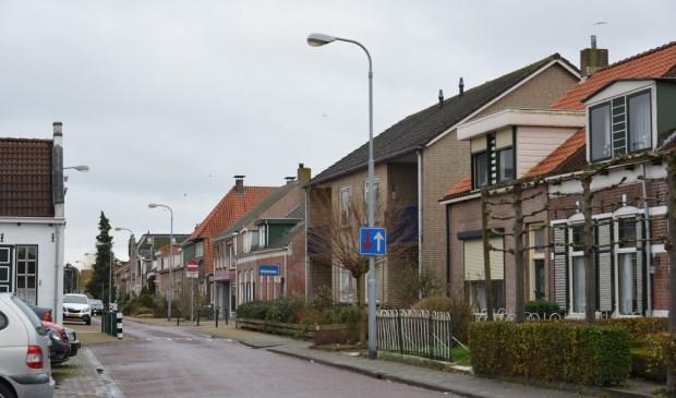 De twee daders van de overval op Anton Gelok in de Molenstraat in Oud-Vossemeer kan de justitie na lang speurwerk niet vinden. Een onbevredigend einde van een lang slepende zaak, die tevergeefs werd geprobeerd vlot te trekken via de tv-uitzending Opsporing Verzocht.