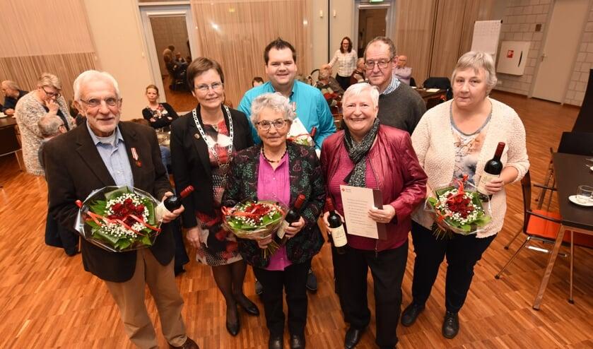 Huib Bout, burgemeester Ger van de Velde, Adrie Quaak-Moerland, Mark Koopman, Jany Boogaard, Gerard Fase en Rika Goedegebuure-Vermeulen.