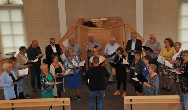 Koor Praise Him trad twee keer op in de Bethelkerk.