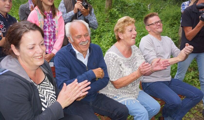 Hein, zijn vrouw Ine, dochter Gitte en schoonzoon William      Fotonummer: 65f802
