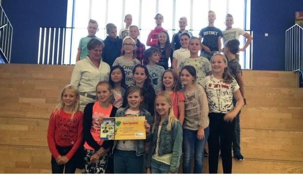 Ook de klas is trots op de winnaar!  | Fotonummer: cbcfb1