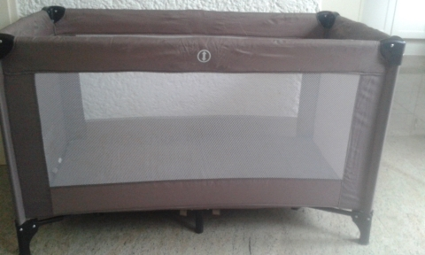 Hedendaags Campingbed- marktplein   DeMooiRooiKrant ME-54