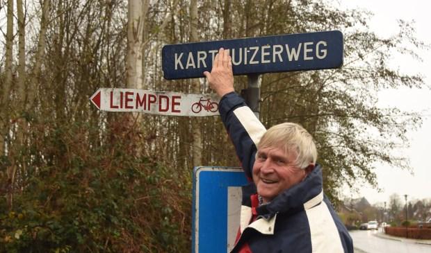 Henk Prins vindt de Karthuizerweg een heel toepasselijke naam, maar historisch was Kartuizerweg zonder 'h' beter geweest    | Fotonummer: 5516c1