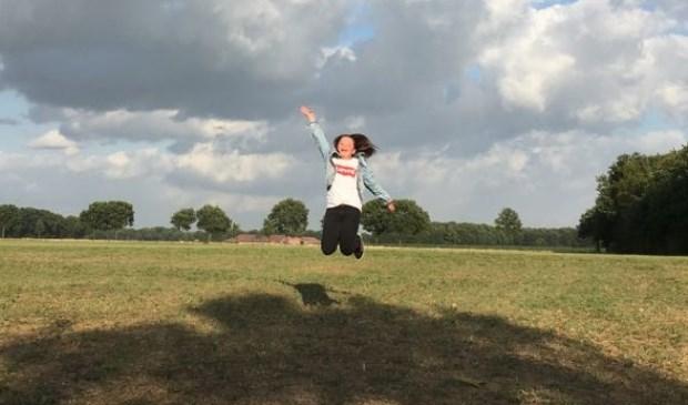 Merel van Laarhoven springt in de lucht!  | Fotonummer: 8b9692