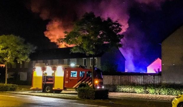 De brand werd ineens een stuk groter.  | Fotonummer: c5195e