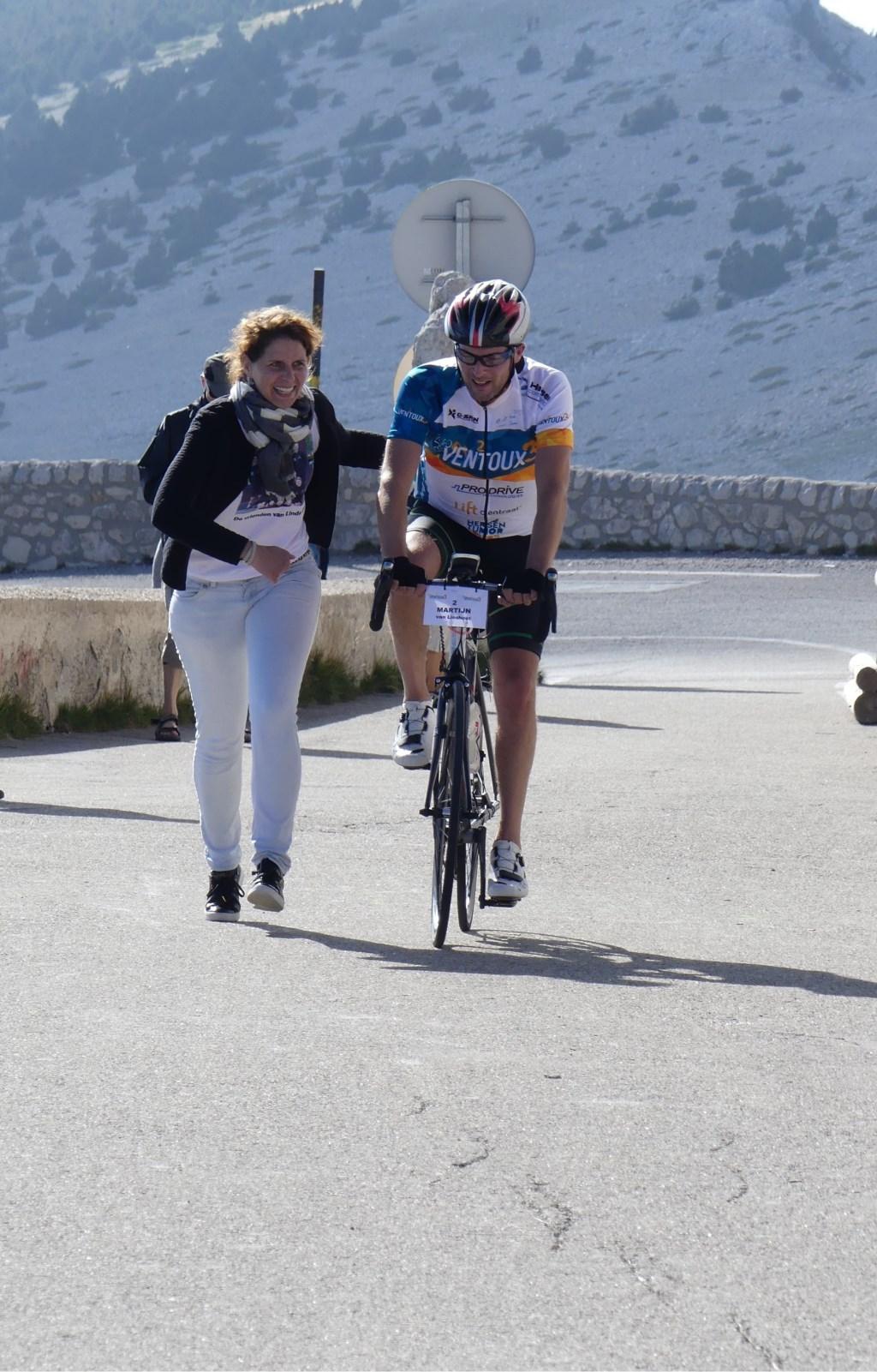 Linda rent een stukje met haar man Martijn mee. Foto:  © MooiRooi