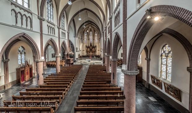 De Martinuskerk van binnen.  | Fotonummer: fd4598