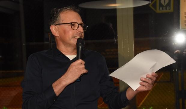 Oud-voorzitter René van den Elsen mag zich voortaan erelid van de vereniging noemen  | Fotonummer: dc9f75