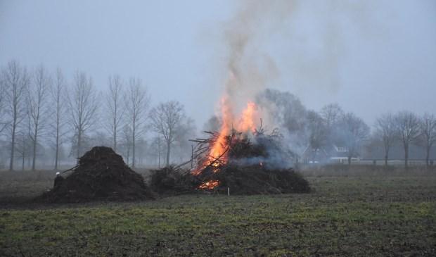 Deze stapel stond in brand.  | Fotonummer: adbe3e