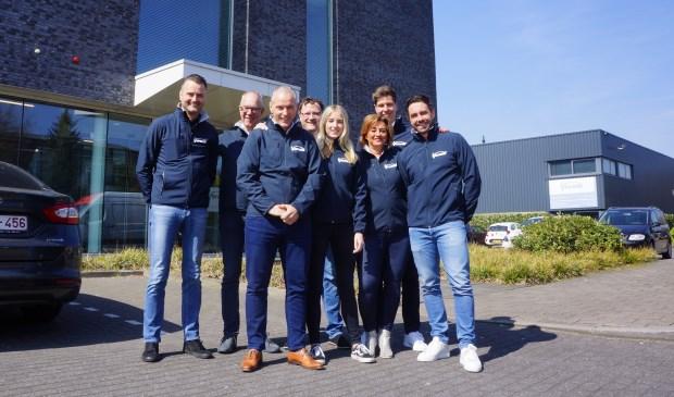 Team Verano: v.l.n.r.: Patrick Gofers, Erik Kroon, Marco van Heeswijk, Erwin Kuis, Linda Simons, Jacqueline Toebes, Christiaan van den Broek, Harrie van Zutphen.   | Fotonummer: d4954b