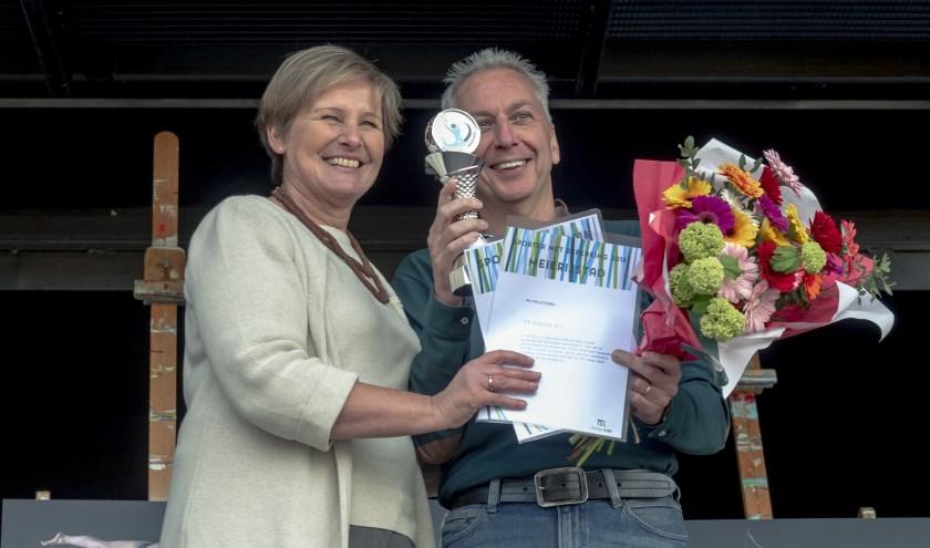 Rhode voorzitter Ad van Acht nam de prijs in ontvangst.   | Fotonummer: 546153