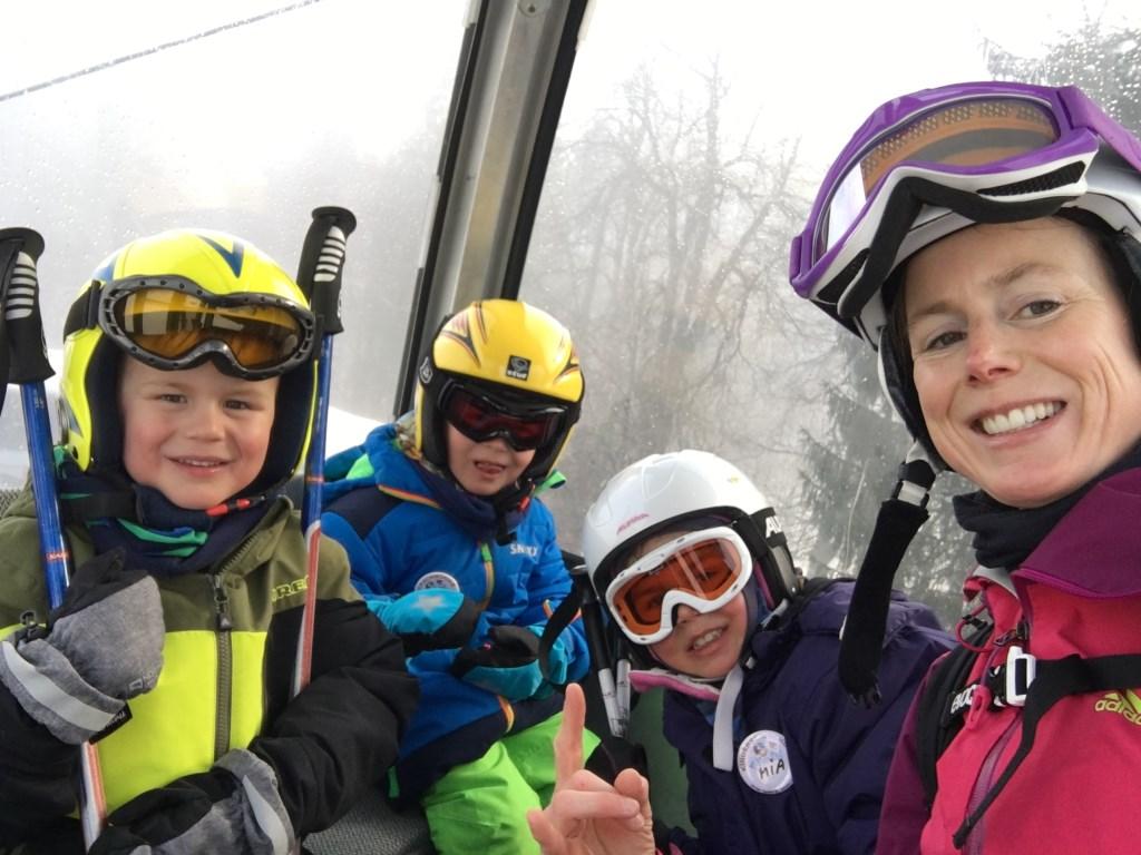 Samen met de kids op wintersport.  © MooiRooi