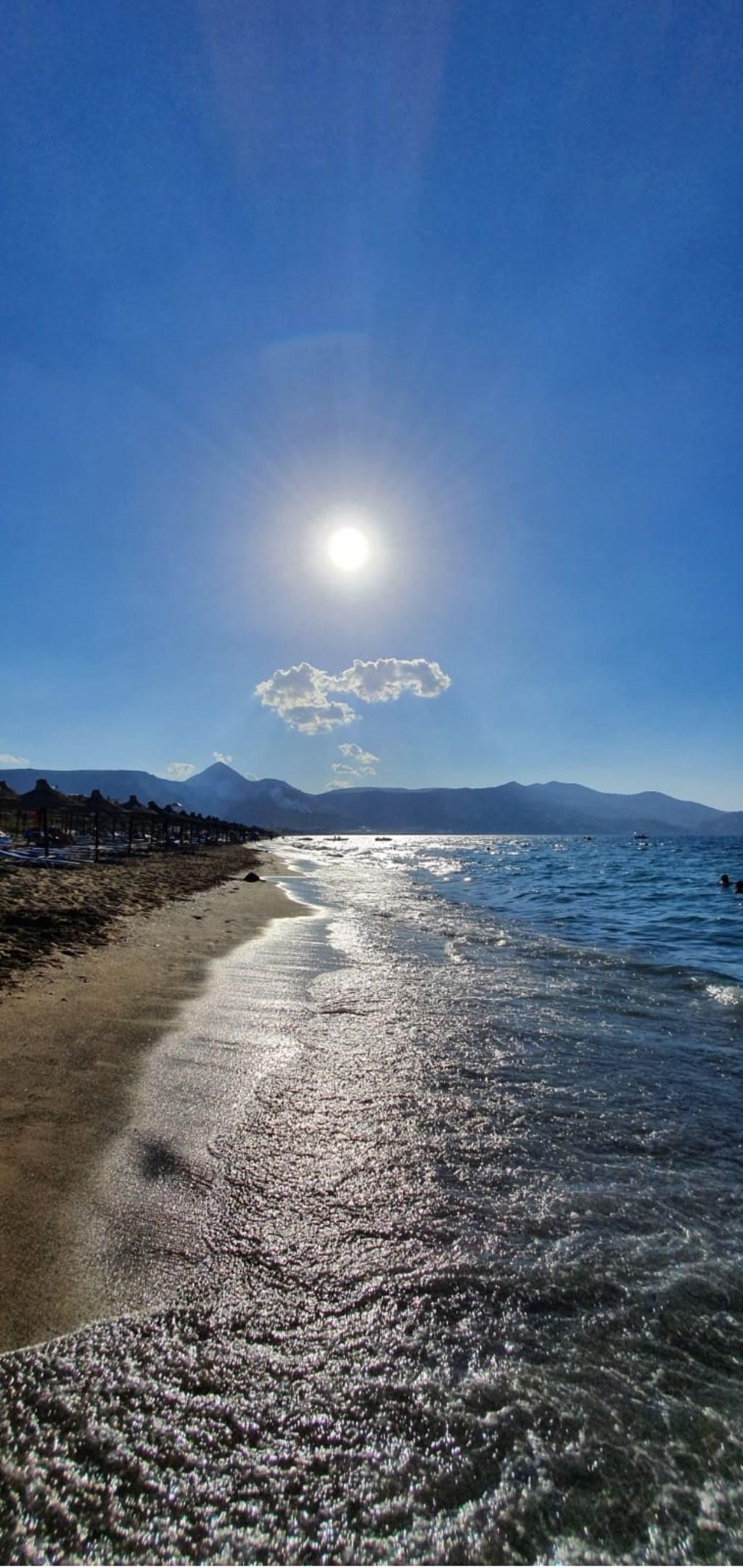 Groetjes uit Kreta. Bart Jansen  © MooiRooi