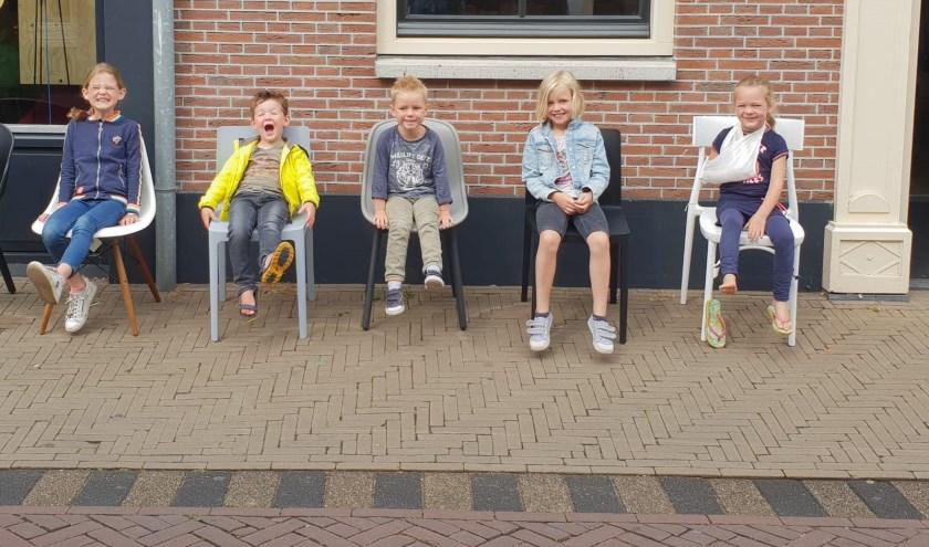 Eerste keer als samengesteld gezin op vakantie! Evy Fenna Nynke Mats en Teun samen in Harderwijk   | Fotonummer: 090ccc