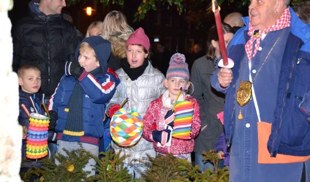 Een lampionnenoptocht voor Sint Maarten met de elf-elf viering belooft zaterdagavond weer spektakel in Altere.