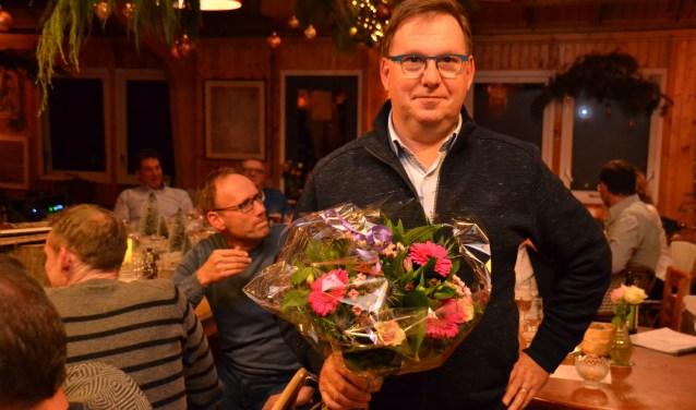 Rien de Weert is op het eindejaarsfeest van AC Olympia gehuldigd omdat hij vijftig jaar lid is van de atletiekclub.