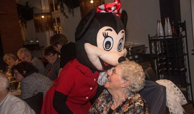 Een kus van Minnie Mouse maakt de Gulle Geverdag tot een écht feest.