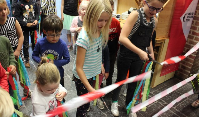 Opening van de Kinderboekenweek door 't Krekelkoor Foto: Marian Reijnders-Schenk © Minerve Pers
