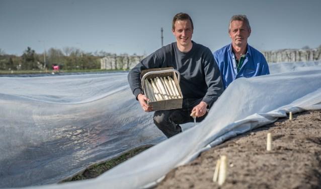 Ferry en Ad de Weert zetten de Brabantse Wal Asperge in het zonnetje.