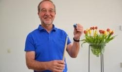 Secretaris Bert van den Brink van jubilerend Regio Biljart West Brabant.
